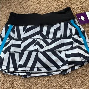 Dresses & Skirts - Lululemon Pace Rival skirt